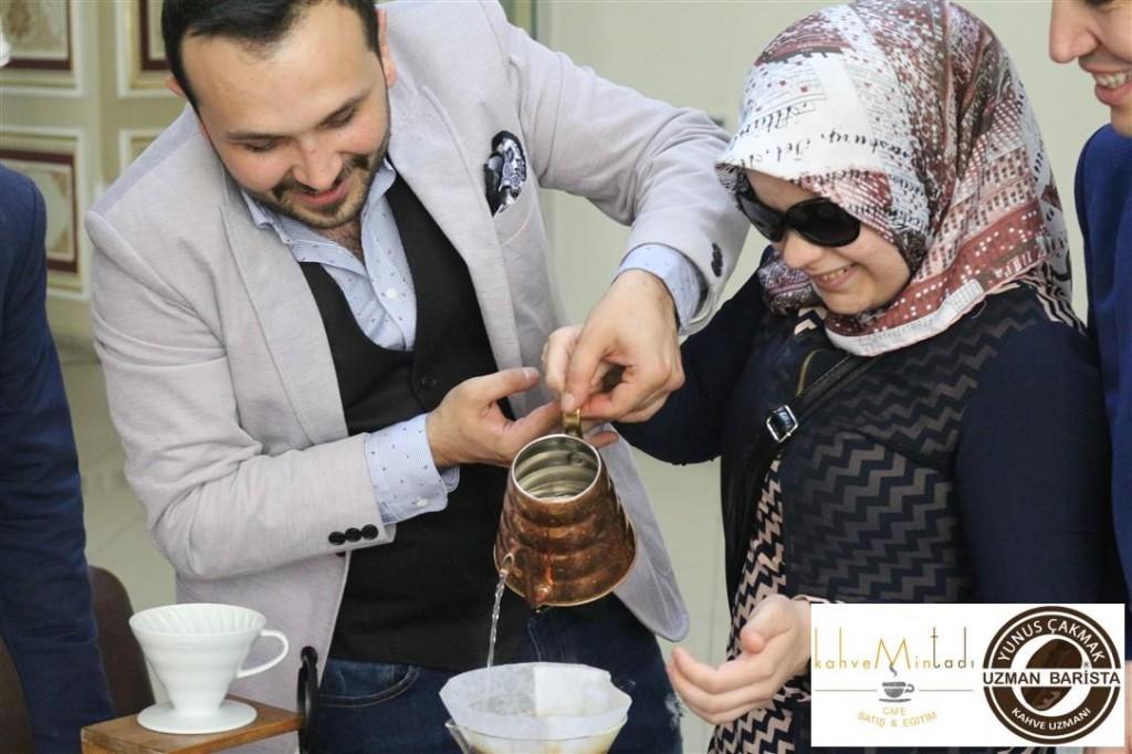 Kahvemin Tadı Barista Eğitmeni Kahve Uzmanı Yunus ÇAKMAK Görme Engelliler Projesi (29)